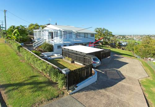 Stanmore Bay, 3 Bedrooms & Heat Pump, Property ID: 75000665 | Barfoot & Thompson