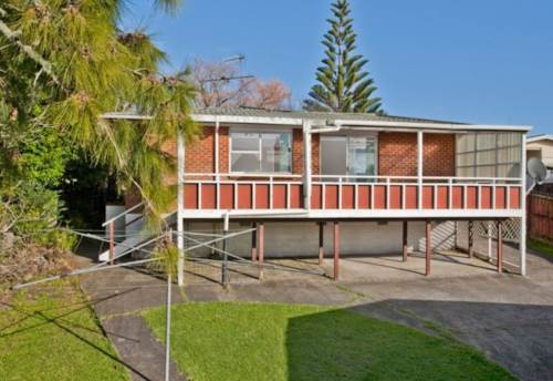 Beach Haven, Bring the kids and the dog!, Property ID: 75000705 | Barfoot & Thompson