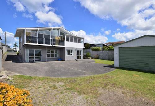 Arkles Bay, North Facing & Seaviews, Property ID: 75000717 | Barfoot & Thompson