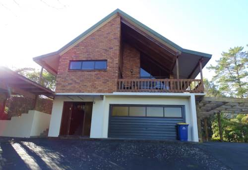 Paremoremo, Larger than you expect, Property ID: 75000773 | Barfoot & Thompson