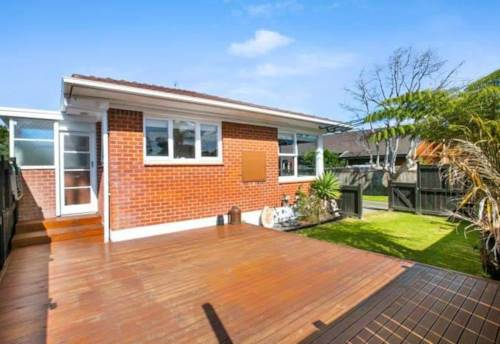 Browns Bay, Browns Bay 2 Bedrooms, Property ID: 75000811 | Barfoot & Thompson