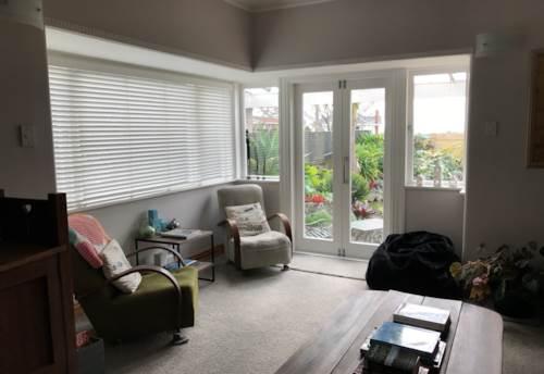 Green Bay, Beautiful family home seeks wonderful tenants, Property ID: 77000056 | Barfoot & Thompson