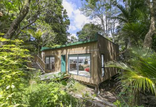 Titirangi, Stunning Two Bedroom Modern Home, Property ID: 77000059 | Barfoot & Thompson