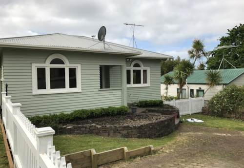 Glen Eden, Family Home Filled With Character, Property ID: 77000067 | Barfoot & Thompson