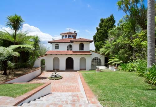 Titirangi, A home with so many options, Property ID: 77000068 | Barfoot & Thompson