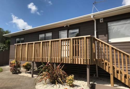 Titirangi, Kaurilands Modern Home, Property ID: 77000090 | Barfoot & Thompson