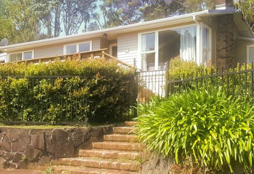 Titirangi, 3 Bedroom Family Home. Awesome Location, Property ID: 77000126 | Barfoot & Thompson