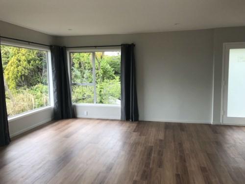 Titirangi, Newly Refurbished Titirangi Apartment , Property ID: 77000132 | Barfoot & Thompson