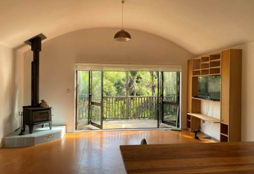 Piha, Delightful two bedroom with fantastic outdoor area, Property ID: 77003198 | Barfoot & Thompson