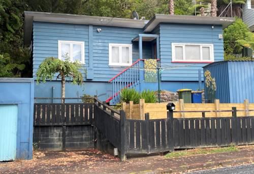 Titirangi, Cute Two bedroom Cottage , Property ID: 77003199   Barfoot & Thompson