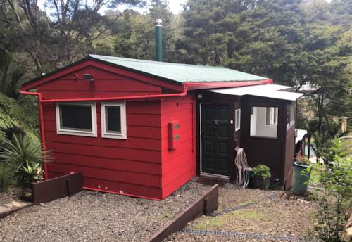 Laingholm, BEACH LIVING (incl whiteware & water), Property ID: 77003223 | Barfoot & Thompson