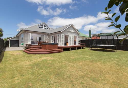 Pt Chevalier, Family Home Pt Chevalier, Property ID: 83000473 | Barfoot & Thompson
