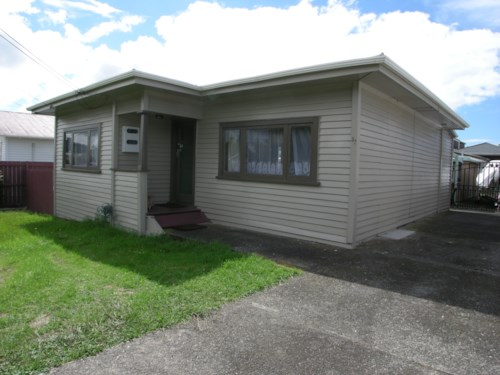 Pt Chevalier, Call now , Property ID: 83000478 | Barfoot & Thompson