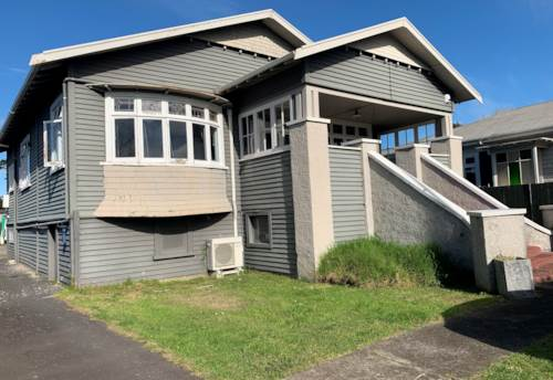 Pt Chevalier, Call now, Property ID: 83000602 | Barfoot & Thompson