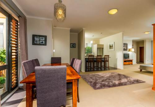 Greenhithe, Family Home in Greenhithe, pets are Welcome!, Property ID: 84000064 | Barfoot & Thompson