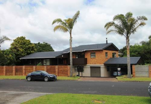 Greenhithe, SUBSTANTIAL FAMILY HOME - ROOM FOR ALL !!!, Property ID: 84001159 | Barfoot & Thompson