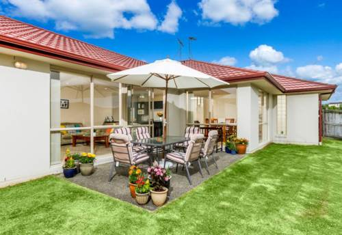 Greenhithe, Family Home with space for everyone!, Property ID: 84001172 | Barfoot & Thompson