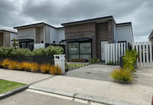 Hobsonville, COME HOME AND RELAX IN HOBSONVILLE, Property ID: 84001186 | Barfoot & Thompson