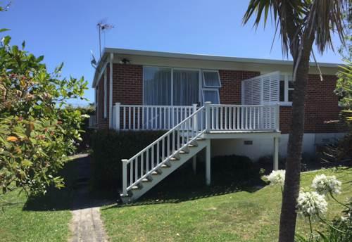 Mairangi Bay, Great brick and tile unit, Property ID: 84001210 | Barfoot & Thompson