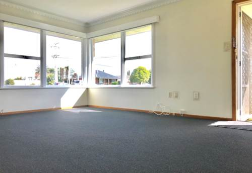 Papatoetoe, Freshly painted and new carpeted, Property ID: 85000556 | Barfoot & Thompson