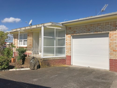 Papatoetoe, Recently Renovated 2 Bedroom home, Property ID: 85000755 | Barfoot & Thompson