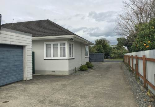 Papakura, Lovely family home!, Property ID: 85000961 | Barfoot & Thompson