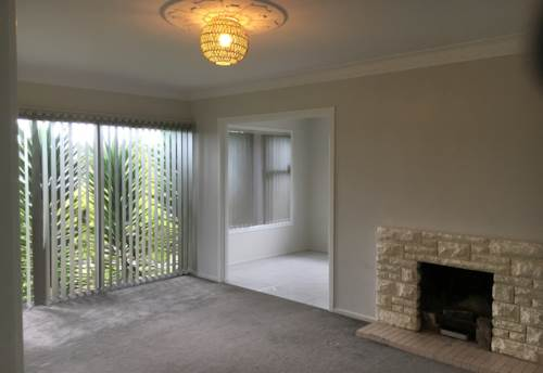 Clover Park, Lovely 3 Bedroom Plus Sleep-out, Property ID: 85001004 | Barfoot & Thompson