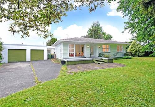 Papakura, Home is where the Heart is!, Property ID: 85001010 | Barfoot & Thompson