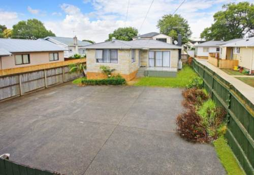 Papatoetoe, Immaculate family home, Property ID: 85001018 | Barfoot & Thompson