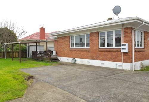 Papatoetoe, Brick and Tile Family Home! Desirable Location!, Property ID: 85002119 | Barfoot & Thompson