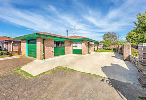 Papatoetoe, The Brick and Tile Beauty , Property ID: 85002120 | Barfoot & Thompson