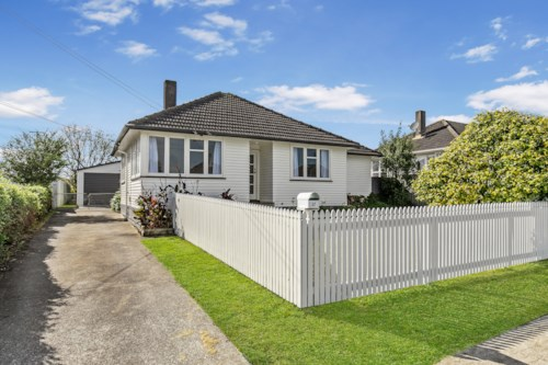 Manurewa, 5 BEDROOMS LARGE FAMILY HOME, Property ID: 85002132 | Barfoot & Thompson