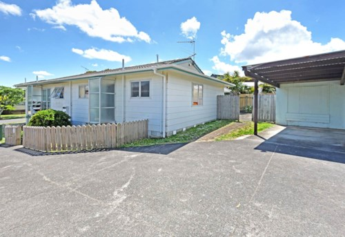 Clendon Park, 2 bedroom in clendon park, Property ID: 85002136 | Barfoot & Thompson
