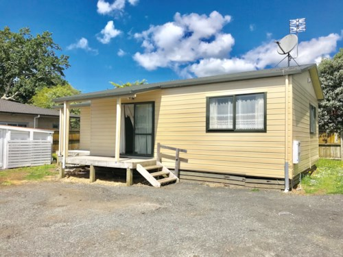 Papatoetoe, Neat And Tidy Home, Property ID: 85002155 | Barfoot & Thompson
