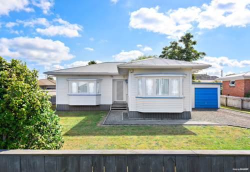Takanini, Neat and Tidy Family Home, Property ID: 85002175 | Barfoot & Thompson