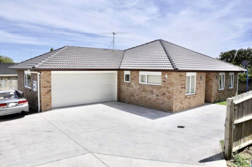 Manurewa, Brick and Tile home in handy location, Property ID: 85002178 | Barfoot & Thompson