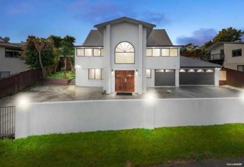 Goodwood Heights, Massive 3 level family home, Property ID: 85002187 | Barfoot & Thompson