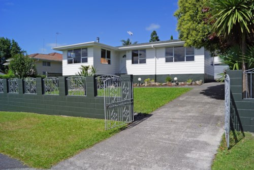 Ranui, 4 bedroom home with XXL garage , Property ID: 87000154 | Barfoot & Thompson