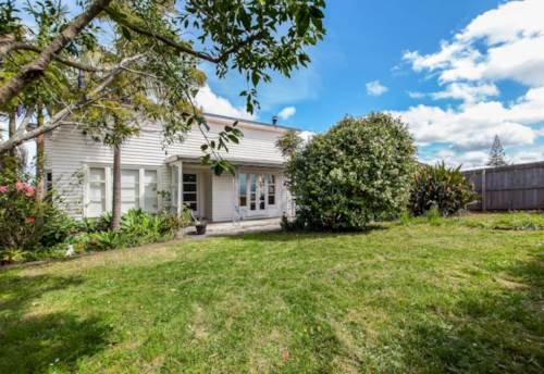 Te Atatu Peninsula, Tasty Taikata House, Property ID: 87002209 | Barfoot & Thompson