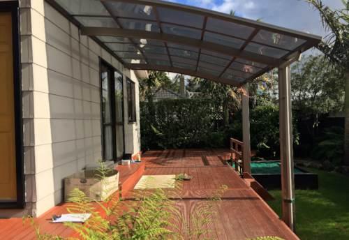 Te Atatu Peninsula, Lounge about on London Street, Property ID: 87002213 | Barfoot & Thompson