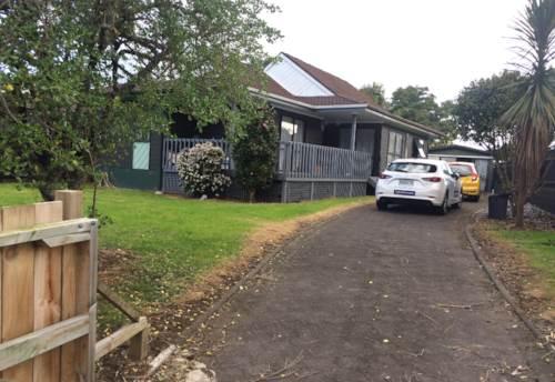 Swanson, 3 bedroom 1 bathroom on Redlands Grove, Property ID: 87002234 | Barfoot & Thompson