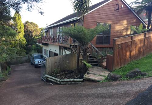 Swanson, 4 bedroom 2 bathroom with heaps of parking, Property ID: 87002249   Barfoot & Thompson