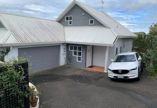 Ellerslie, Family Home  Ellerslie - Power and Water included, Property ID: 92000038   Barfoot & Thompson