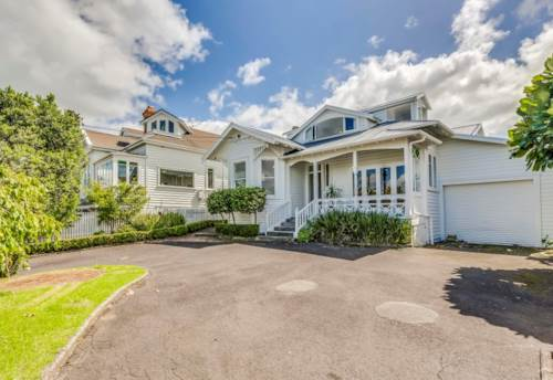 Northcote Point, Executive Family Home Close to the City, Property ID: 11001123 | Barfoot & Thompson
