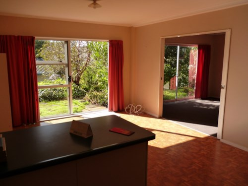 Totara Vale, 1 Bedroom Downstairs Unit , Property ID: 15002132 | Barfoot & Thompson