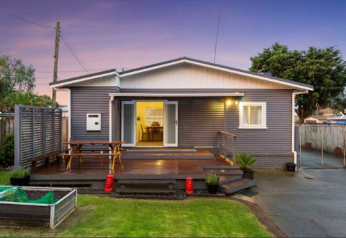 Mt Wellington, Modern Bungalow in Convenient location!, Property ID: 15002219 | Barfoot & Thompson