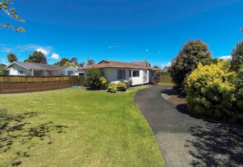 Wattle Downs, Lovely, sunny and ready for you and your family !, Property ID: 20001596 | Barfoot & Thompson