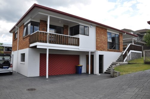 West Harbour, Looking for a responsible tenant to rent a 3-bedroom and 2-bath in Hobsonville!!, Property ID: 30004571 | Barfoot & Thompson