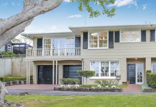 Remuera, STUNNING LOCATION - SPACIOUS AND BRIGHT TOWNHOUSE, Property ID: 38000450 | Barfoot & Thompson
