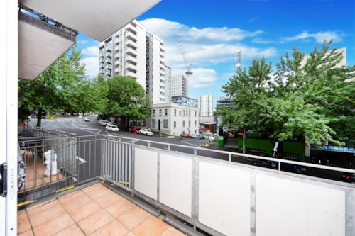 City Centre, One bedroom in Metro Apartments , Property ID: 39002132 | Barfoot & Thompson